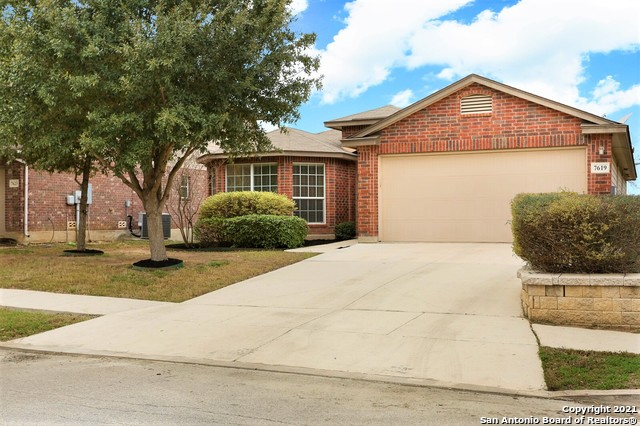 ABSOLUTELY ADORABLE HOME COMPLETE WITH LOTS OF UPGRADES--THIS IDEAL FLOOR PLAN PROVIDES AN OPEN AND