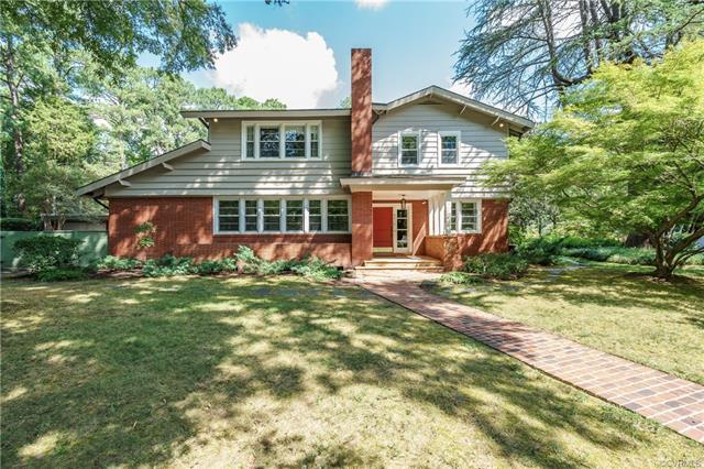This mid century modern design with great upgrades offers a lot of opportunities. Upon entering the