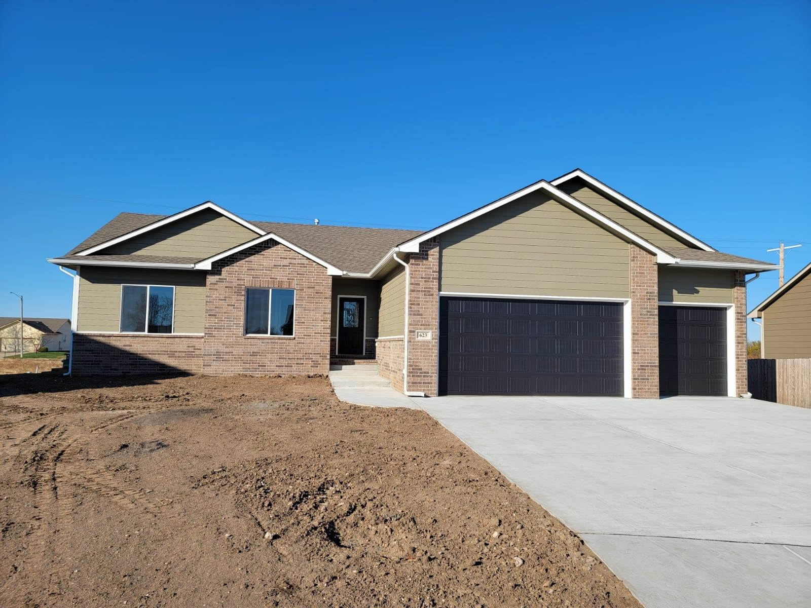 Brand new home with great open floor plan, 5 bedrooms 3 bathrooms 3 car garage with full finished vi