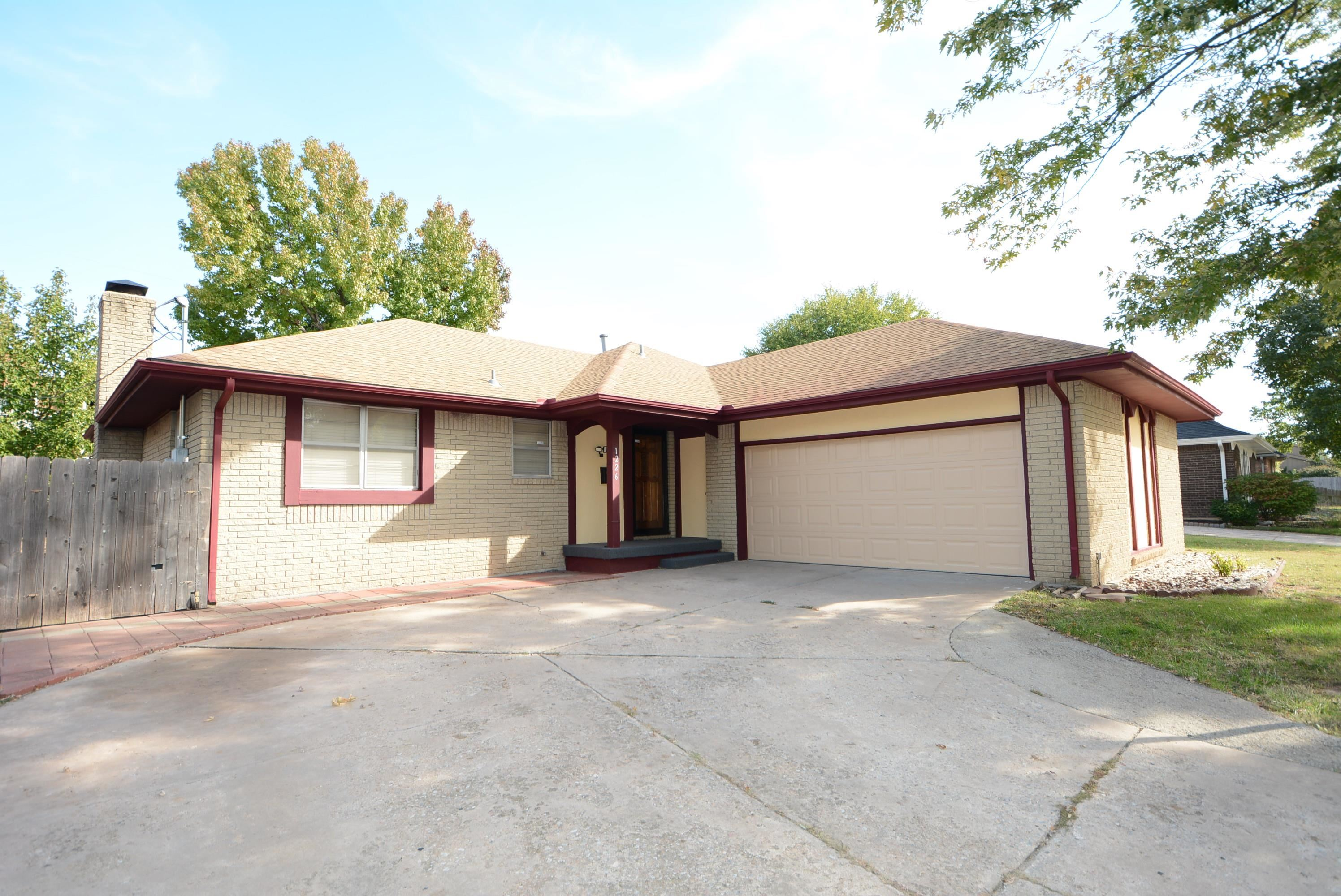 All information deemed to be reliable, but not guaranteed. Buyer agent verify room size and school i