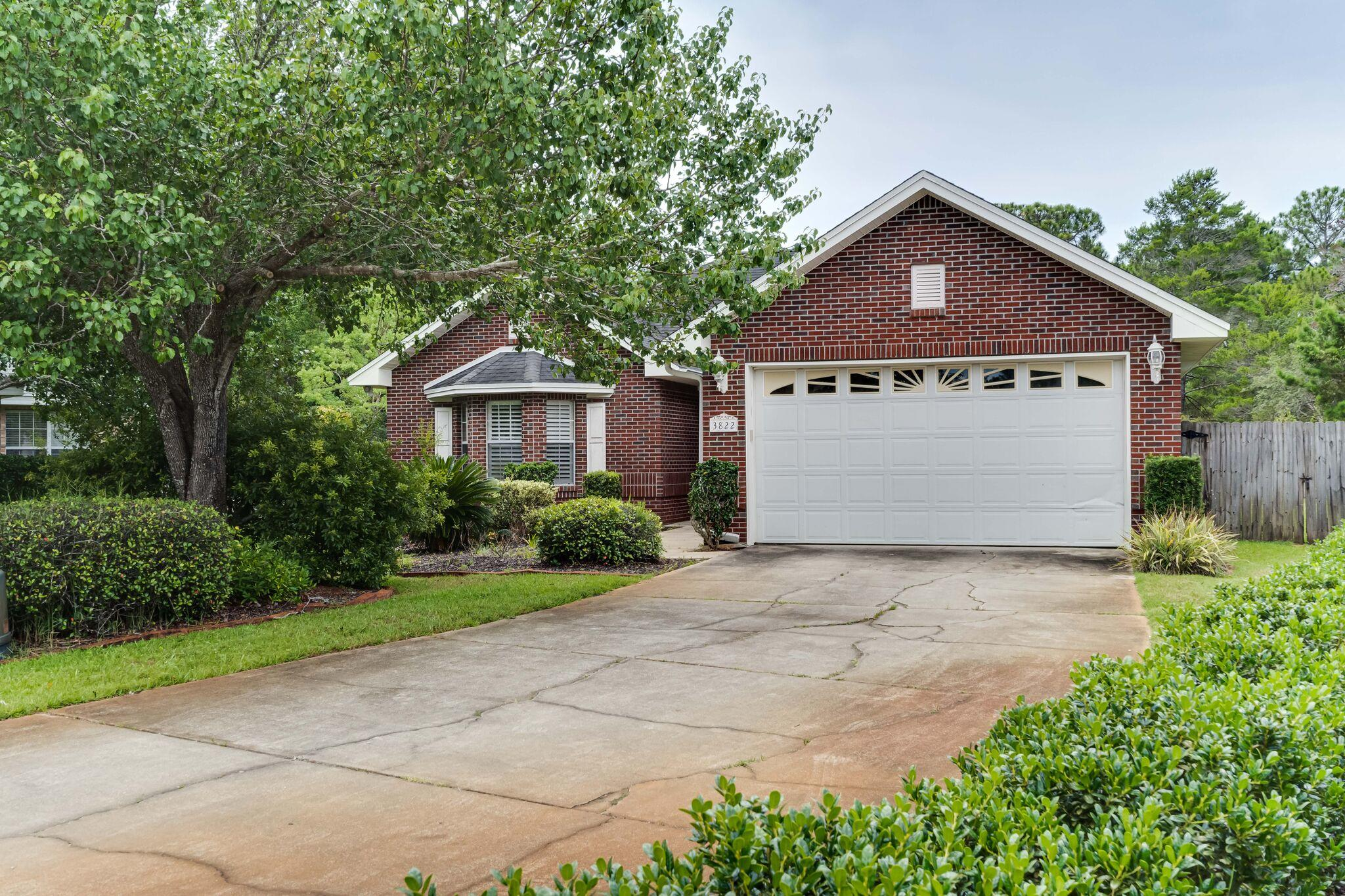 Executive Home in the heart of Destin! This home boasts a NEW custom kitchen complete with custom ca
