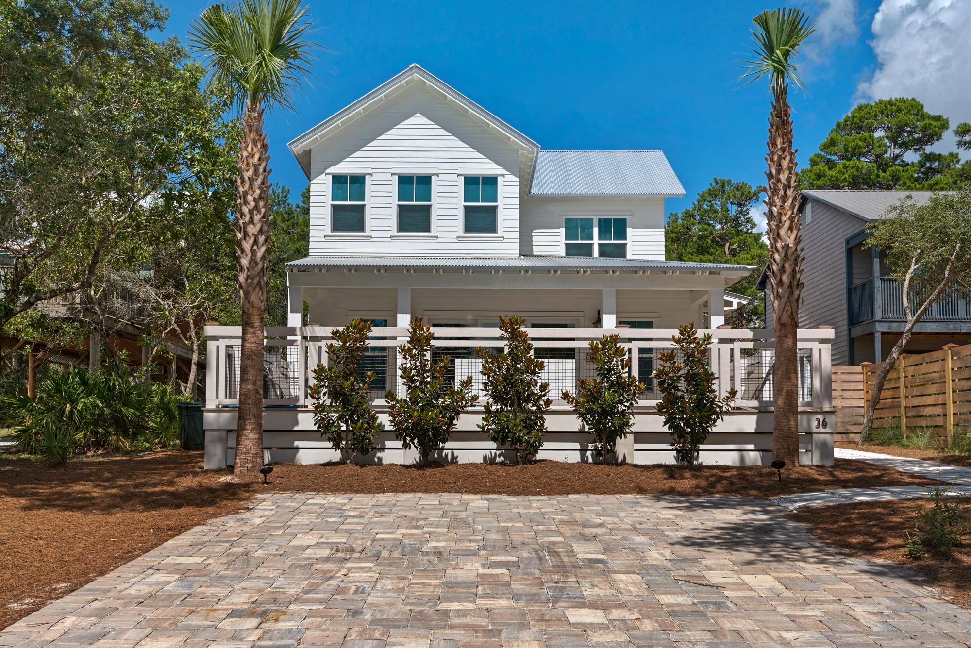 Welcome to Searenity, a beautiful coastal home with private pool south of 30A in Seagrove! Lounge by