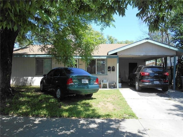 2 rental homes on 1 lot.  951 Rents for $750 per month, 953 rents for $600 per month. Tenants want to stay - leased until 12/31/18.  951 is a 3bd/2ba, 953 is a 2bd/1 bath with alley access.  953 garage conversion to a bedroom space.