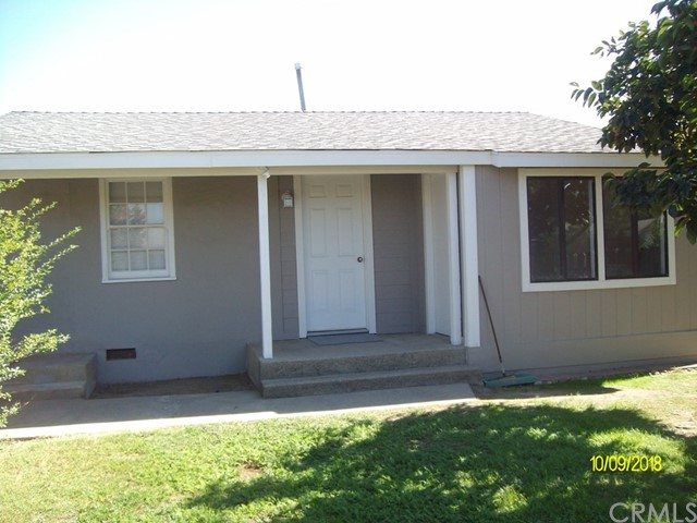 Major makeover on this 3bd/2ba home with large extra detached workshop on almost 12,000 sq.ft. lot..move in ready.