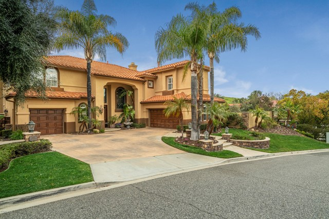 Welcome to this elegant 2-story, 5 bed, 3.5 bath, & 4,127 square foot home on over 1/2 an acre in th