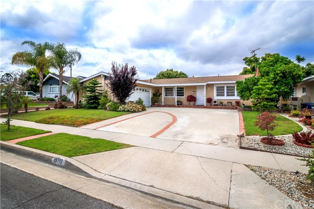 This 4 bedroom, 2 bath home is located on a quiet cul de sac in a great La Mirada neighborhood.  This home features: a bright and open floor plan ready for move-in; over 2100 square feet of living area; nice-sized formal living room with fireplace; large family room; dining area off kitchen; 2 bedrooms were merged into one, making one huge bedroom, a master suite, a 3rd bedroom plus an office (can be used as additional bedroom); 2 car attached garage with laundry hookups; large back yard for entertaining; walking distance to La Mirada Regional Park, Biola University, Splash and across street from Creek Park.