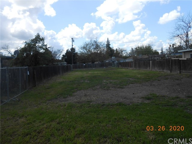 Vacant 8,276 sq.ft. lot zoned R1-6.  Prior home site with utilities. Great opportunity to start construction on a new home in a well established neighborhood.  Don't miss out!