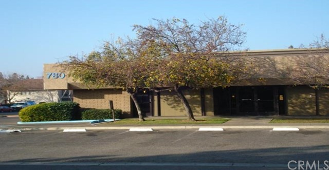 A pproximately 1,350 +/- square foot office space for lease. Great North/Central Merced location directly across from the Merced