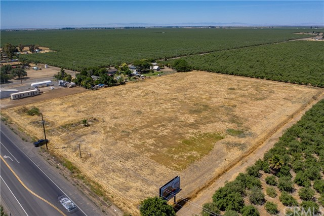 5.8 Acres of land zoned M-1. Perfect location for building your own business. Great Visibility from HWY 59.