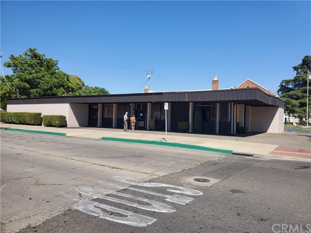 Excellent downtown Merced Commercial building located at the corner of Q and Main Street.  Approximately 5,200 SF.