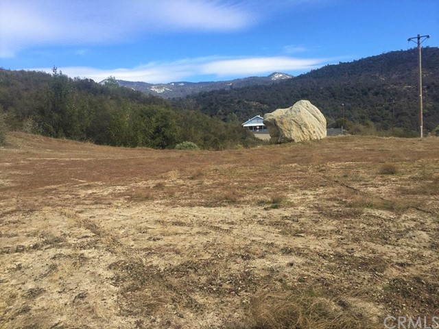 Great city and high sierra views!  10.75+/- acres zoned RRM and Multi-Residential, per County. Possibility of 2.5 minimum parcels per County of Madera (buyer to verify). Near shopping and services, well and pad are in place with additional pads which have been cleared going up on the drive to the top of the property. This property has convenient Highway 41 frontage.  Be sure to check out the virtual tour link!
