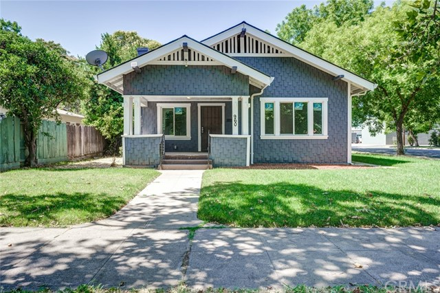 Corner lot! Close to Downtown! Recently remodeled home features refurbished original hardwood floori
