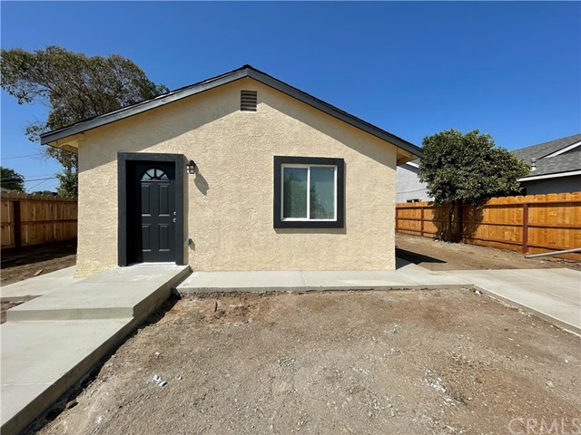 Calling all first time homebuyers and investors! This little home has just been given a complete rem