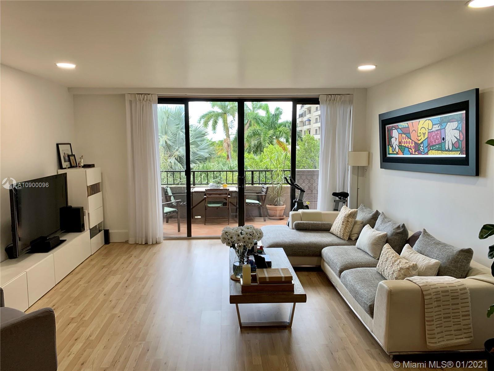 Stunning, recently remodeled 2B+2BA apartment in desirable Emeraldbay building at Key Colony. One of