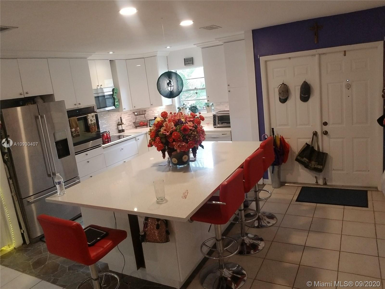 Beautifully remodeled modern villa in Concord Green.  Extensive renovations have been done to this o