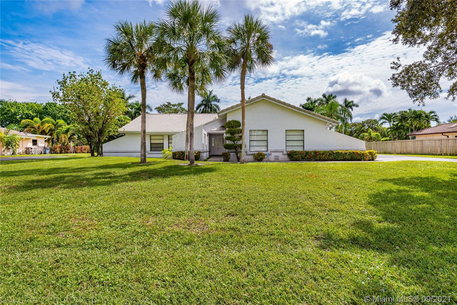 FIRST TIME ON THE MARKET IN 35 YEARS!!! THIS SUPER CLEAN HOME IS READY FOR ITS NEW FAMILY. LOCATED I