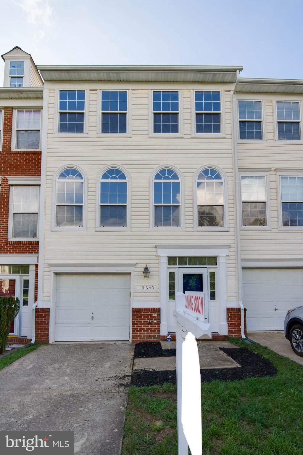 COMMUTER'S DELIGHT - MOVE-IN READY, NEW PAINT & CARPET - 1CAR GARAGE * LIGHT FILLED 3 BR & 3.5 BA * SPACIOUS KITCHEN W/EATING AREA - FINISHED BASEMENT W/ GAS FIREPLACE * MASTER BATH W/ SOAKING TUB * WALKOUT  FENCED YARD BACKING TREES - EASY ACCESS TO I-95, SHOPS & RESTAURANTS & WALK TO VRE.