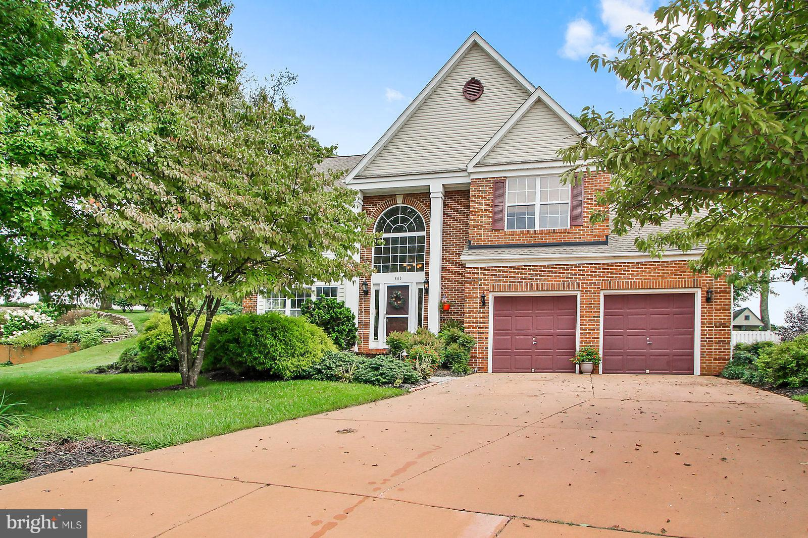 Entertainers delight. 4 bedroom 3.5 bath, family room off kitchen with fire place. Private backyard