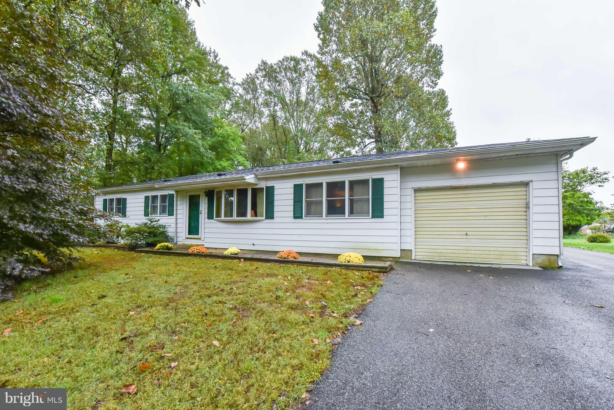Beautiful rancher on private lot minutes from Chesapeake City. Features hardwood floors, formal livi