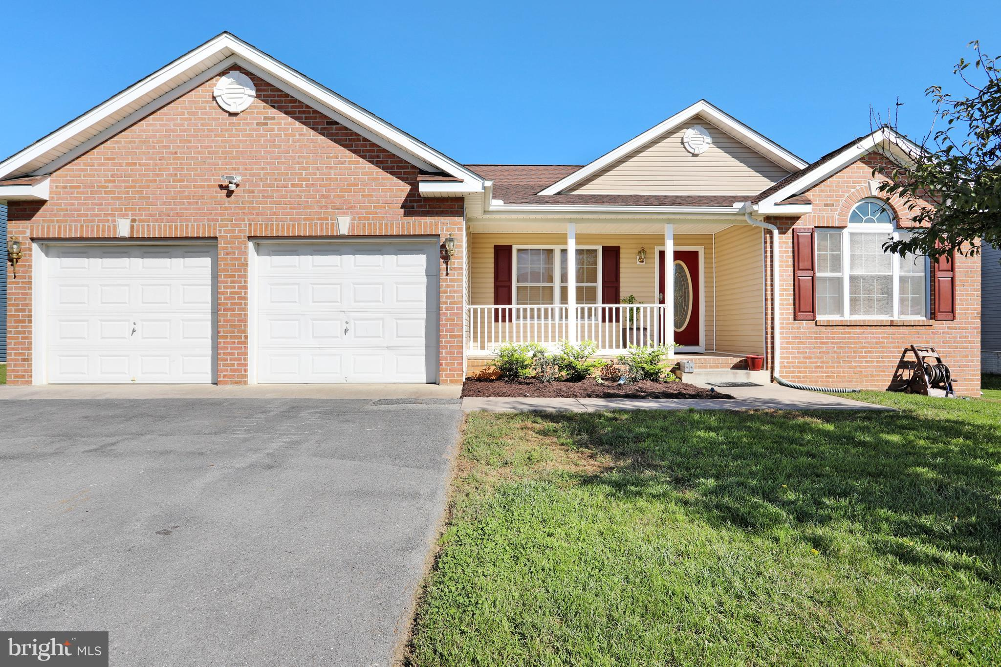 Lots of special touches in this low maintenance ranch style home. Open floor plan includes formal li