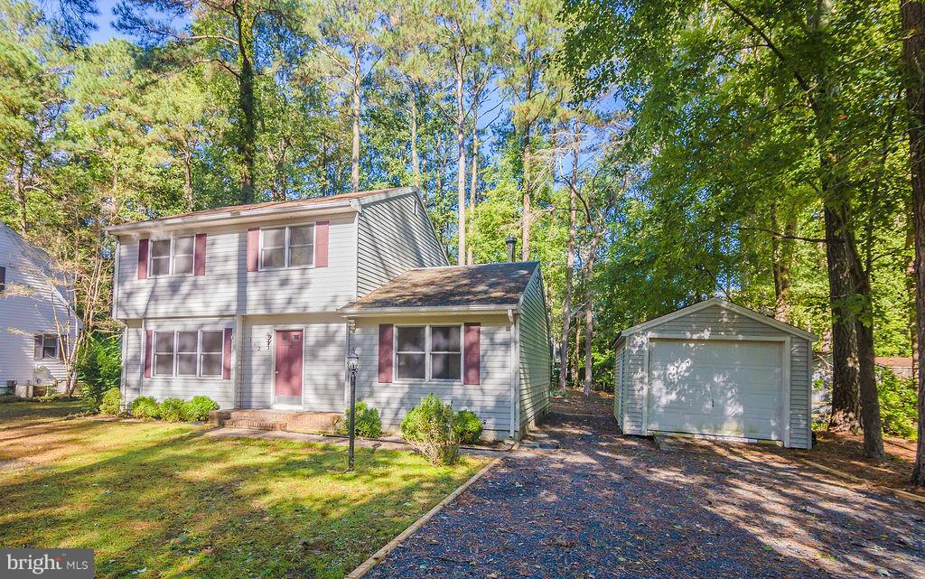 I found you the right home - now come check it out! This home features plenty of living and entertai