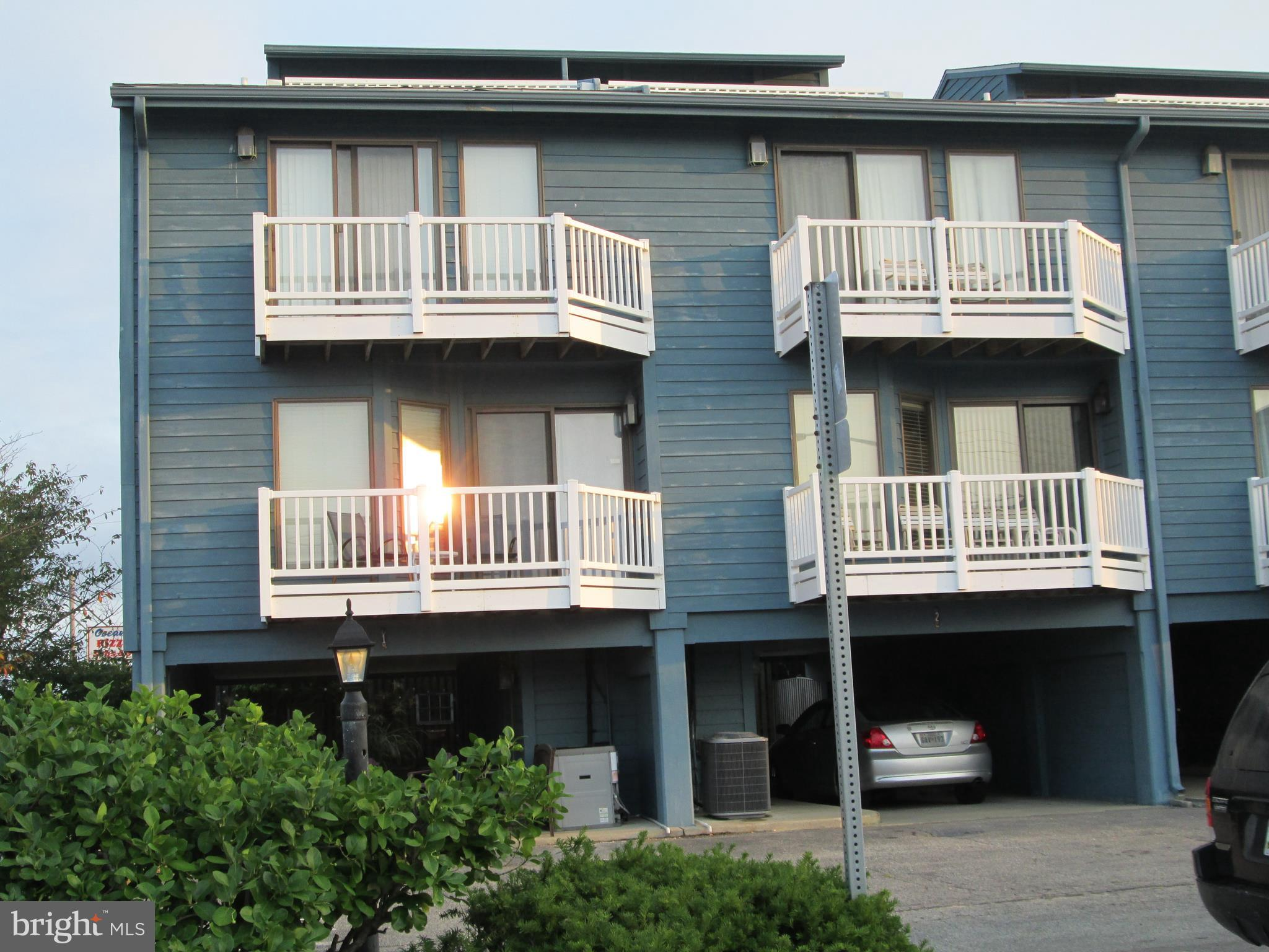 Extra large ocean side townhouse with 4 Br. 3 full Ba. and 1 half bath.  Sitting room on the top flo