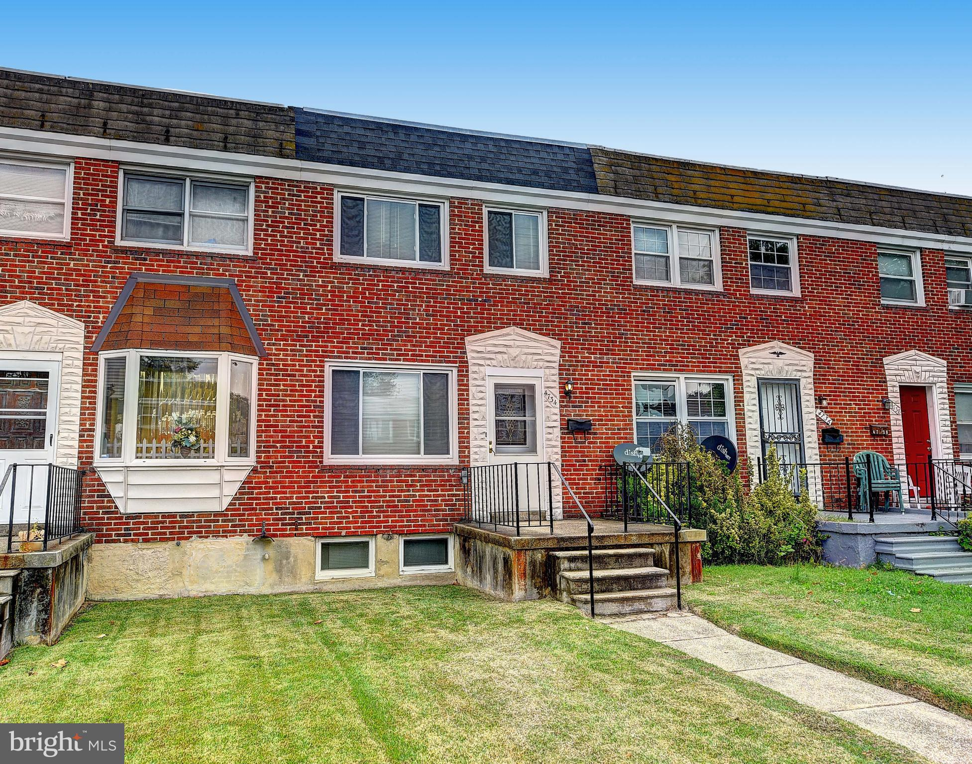 Renovated 3bd, 2 full baths.  Hardwood floors, granite countertops, stainless steel appliances.  Kitchen and baths remodeled, new flooring throughout.  Covered back patio and parking pad.  Finished basement with full bath and utility/storage space.  Make your appointment to see today!
