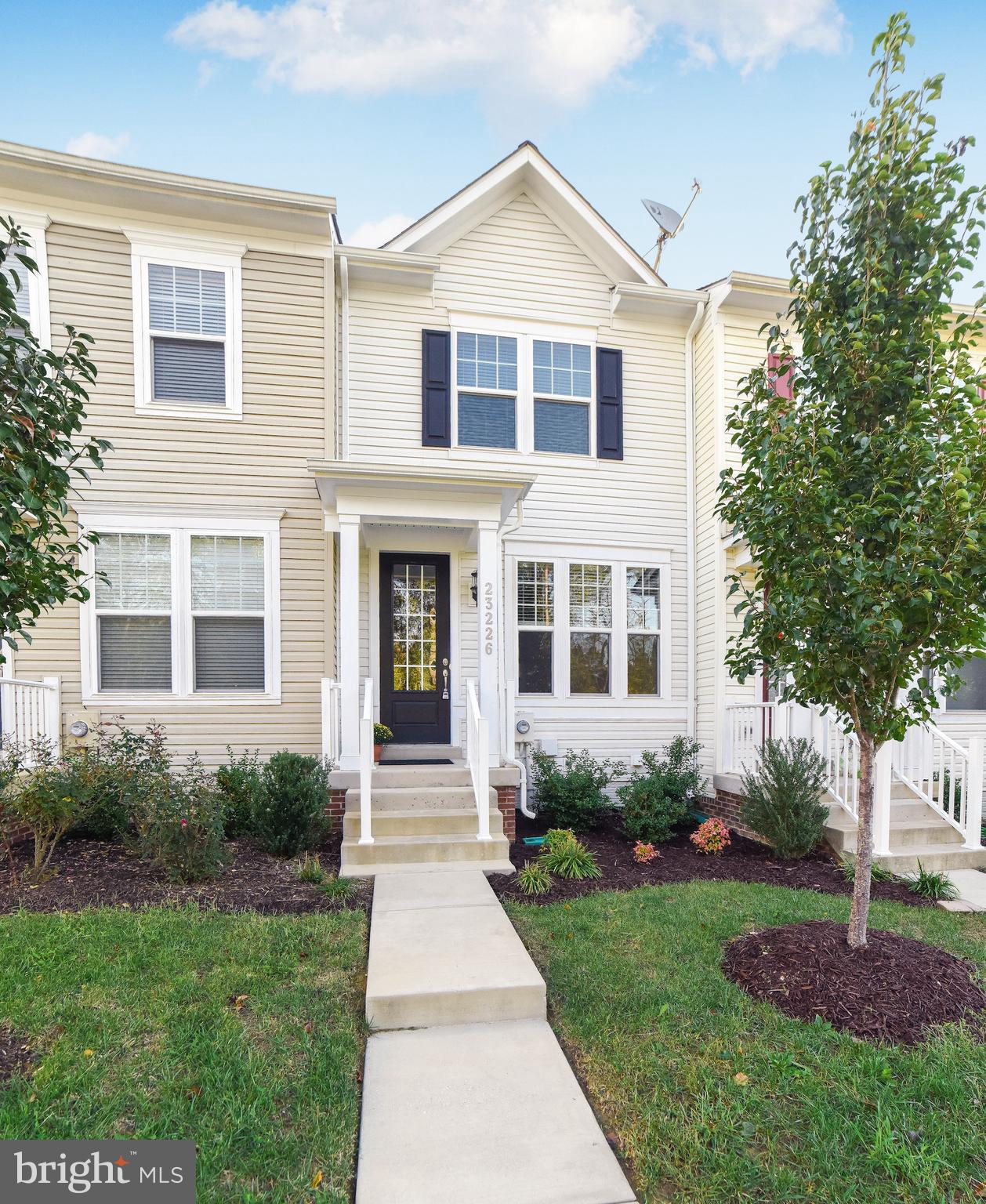 Well-Designed Townhome in Popular Magnolia Park at Wildewood Community!  3 Bedrooms & 3 FULL Bathroo