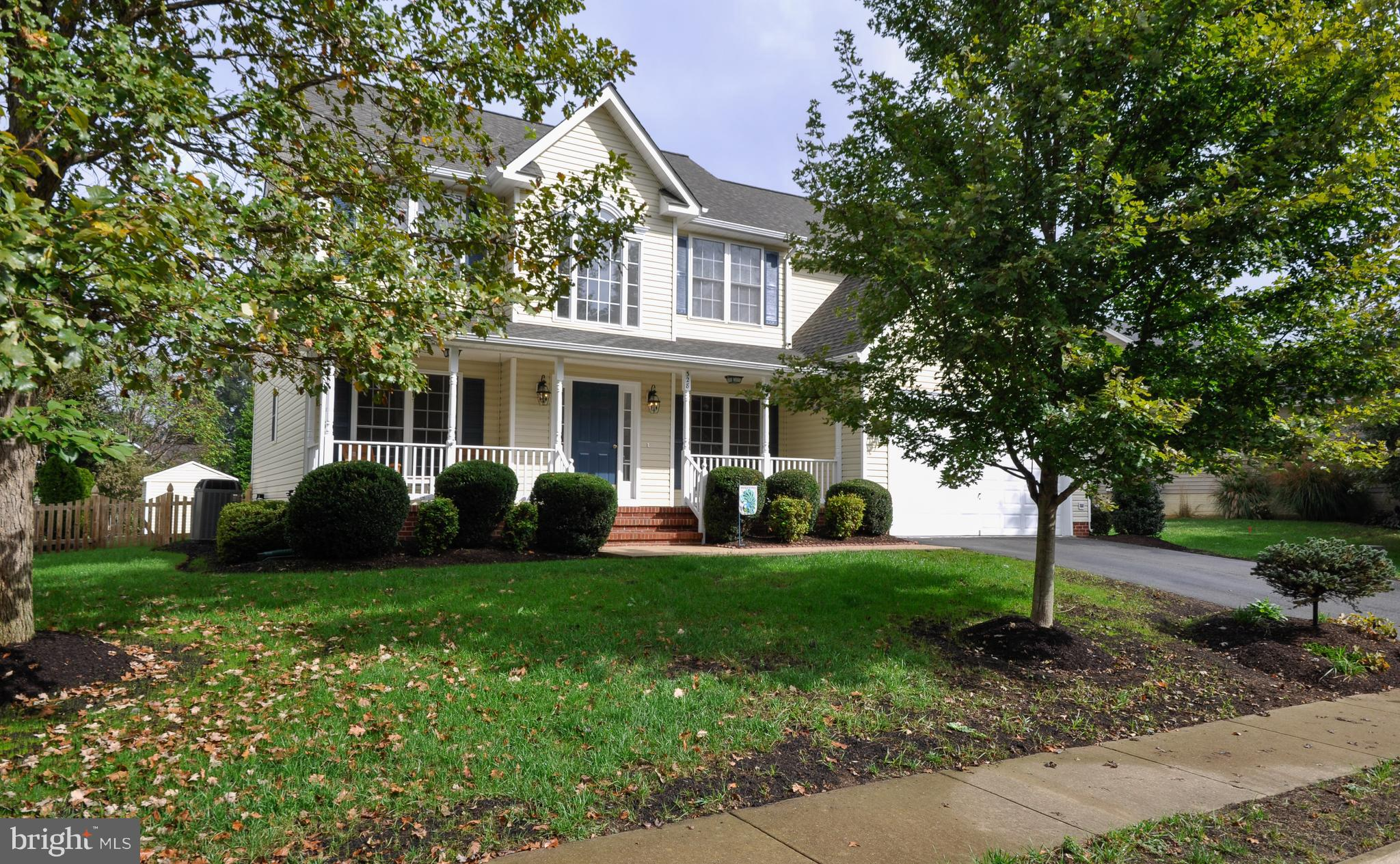 AMAZING ONE OWNER HOME WITH MANY UPGRADED FEATURES * REFIN. HARDWOOD FLRS *MAIN LEVEL OFFICE/DEN * F