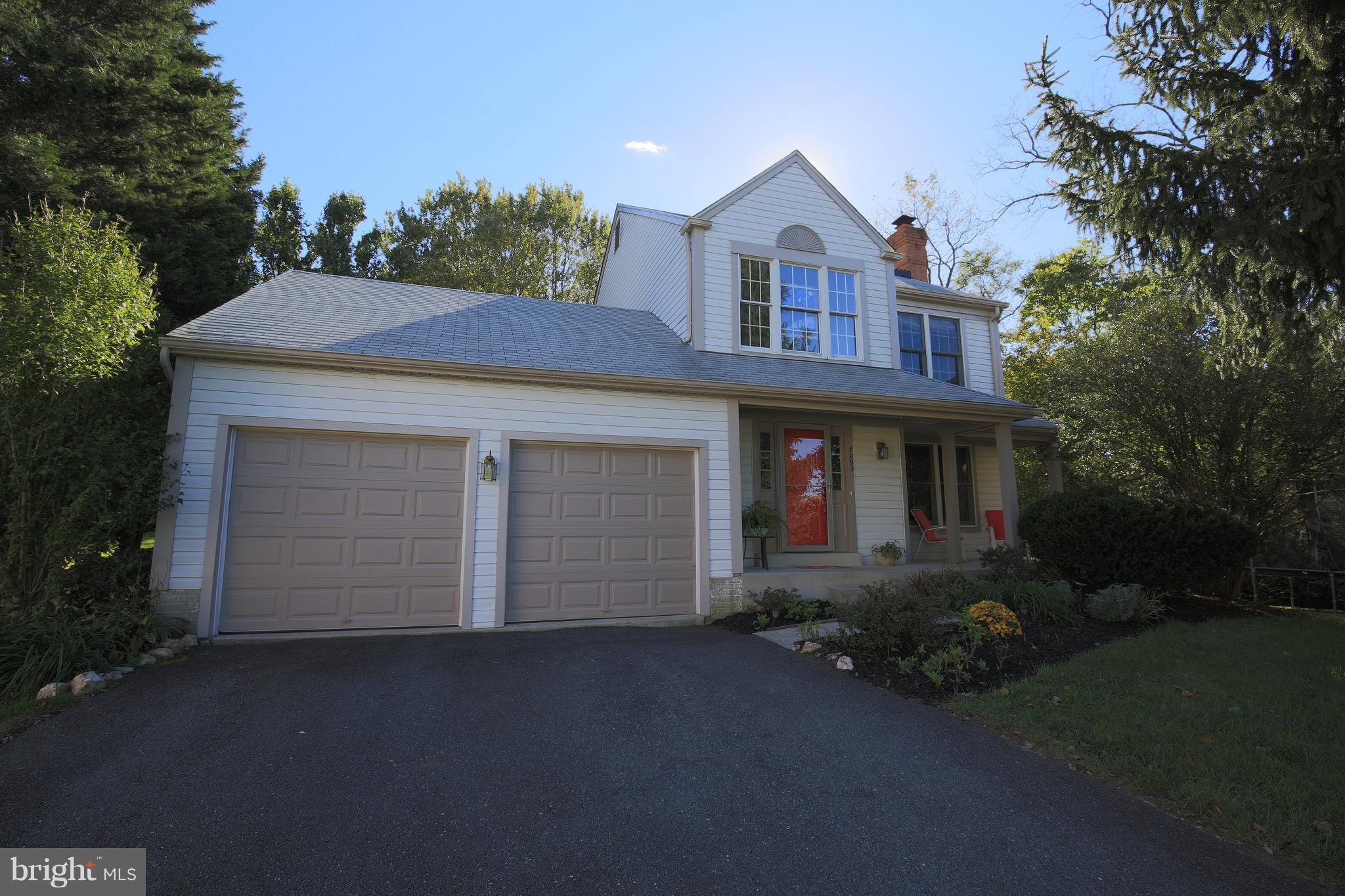 Quiet cul-de-sac location close to Middletown and all Middletown schools.  Remodeled kitchen, Brazil