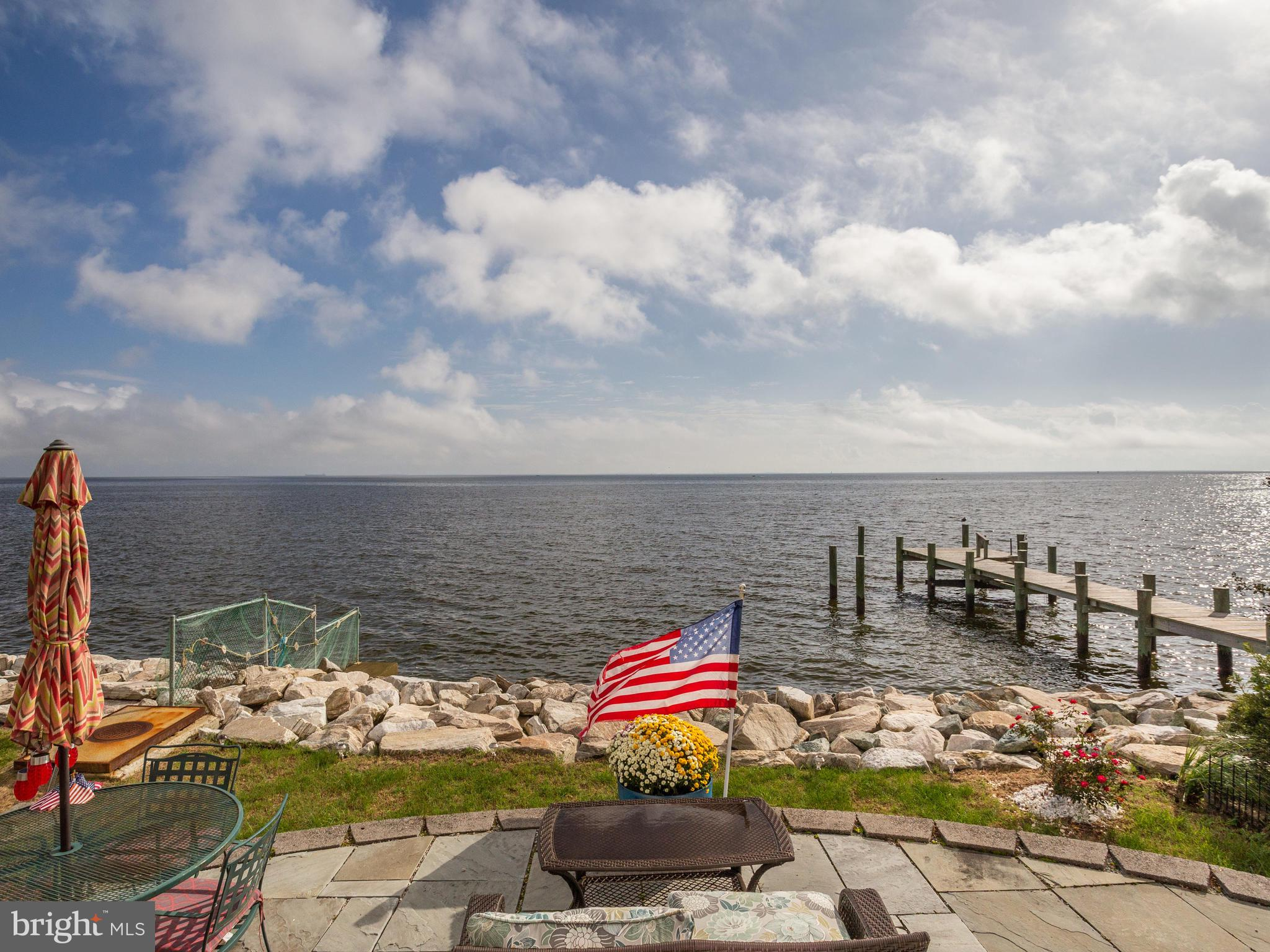 Exquisite Chesapeake Bay Waterfront Home! Convenient to Annapolis, DC, Baltimore, shopping, sandy be