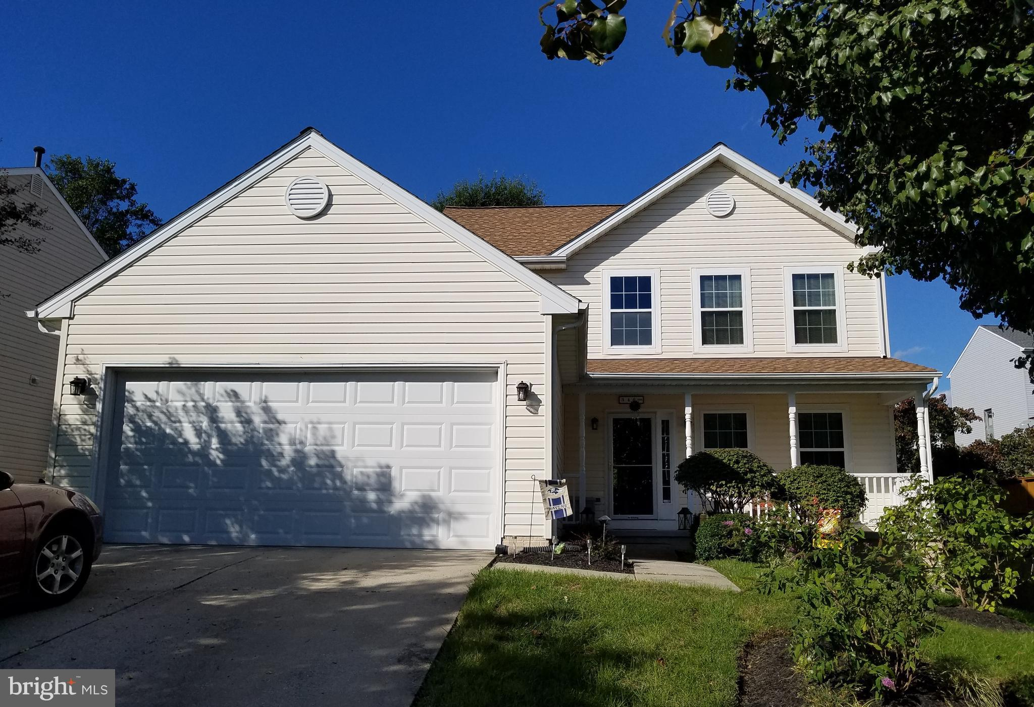 Introducing an absolutely mint condition single family home in the well-maintained community of Jopp