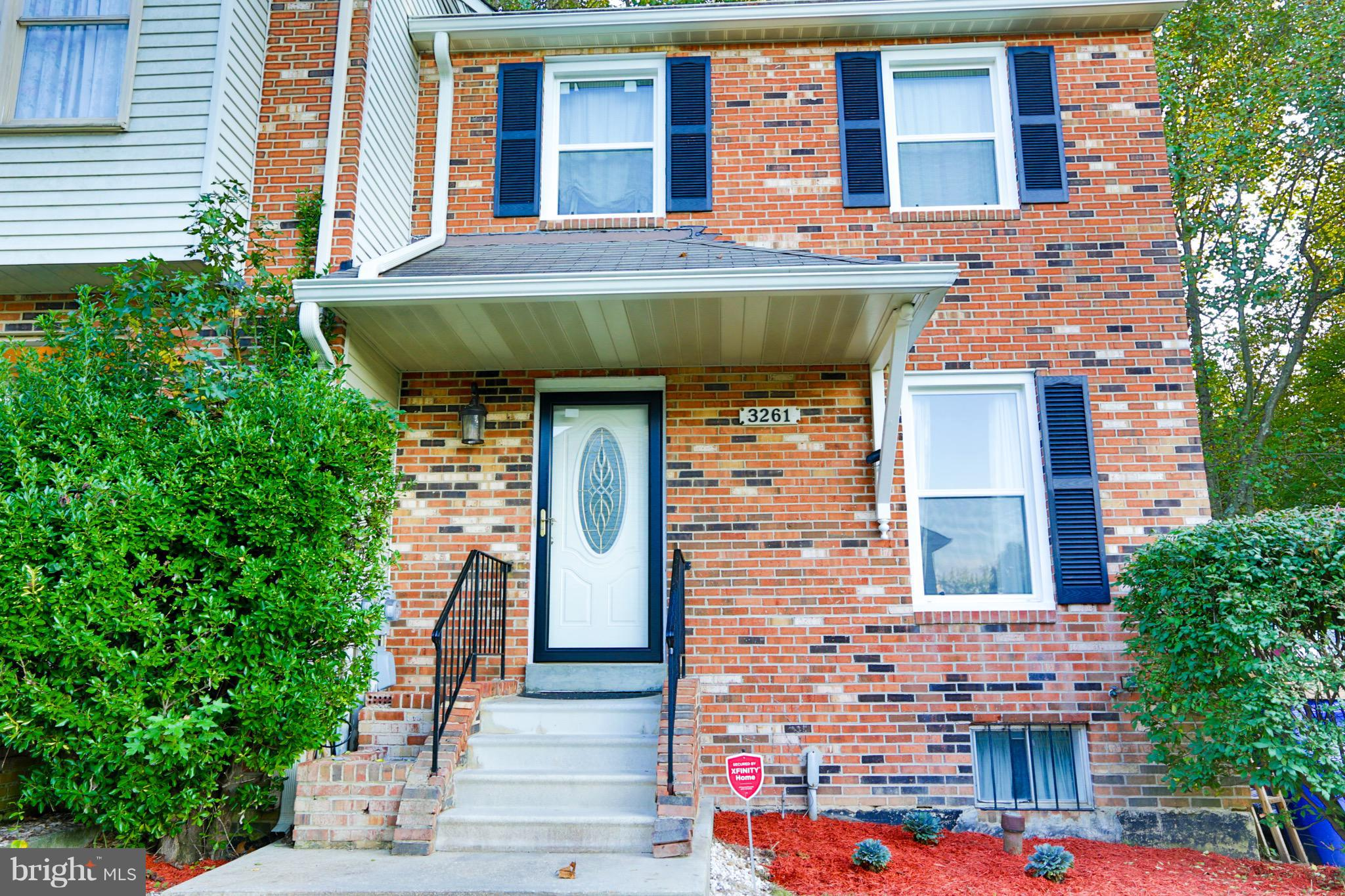 Well-maintained end unit. Nice two story foyer that leads upstairs to loft just off the master. Newl