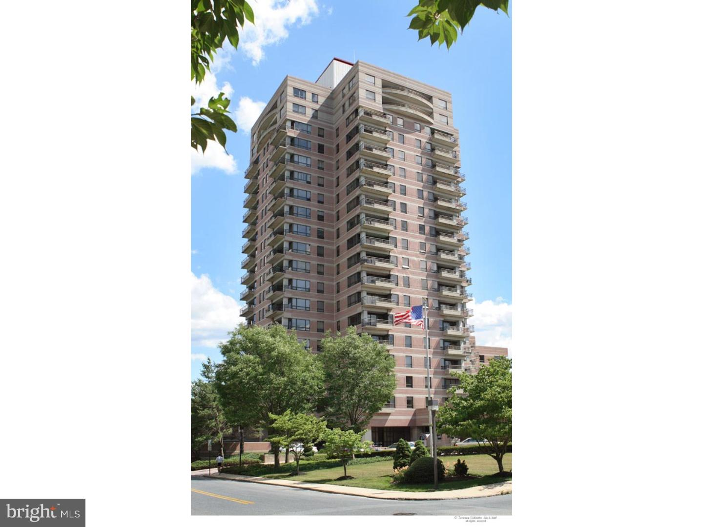 Park Plaza Condominiums offers a beautifully renovated one bedroom residence with an open kitchen to