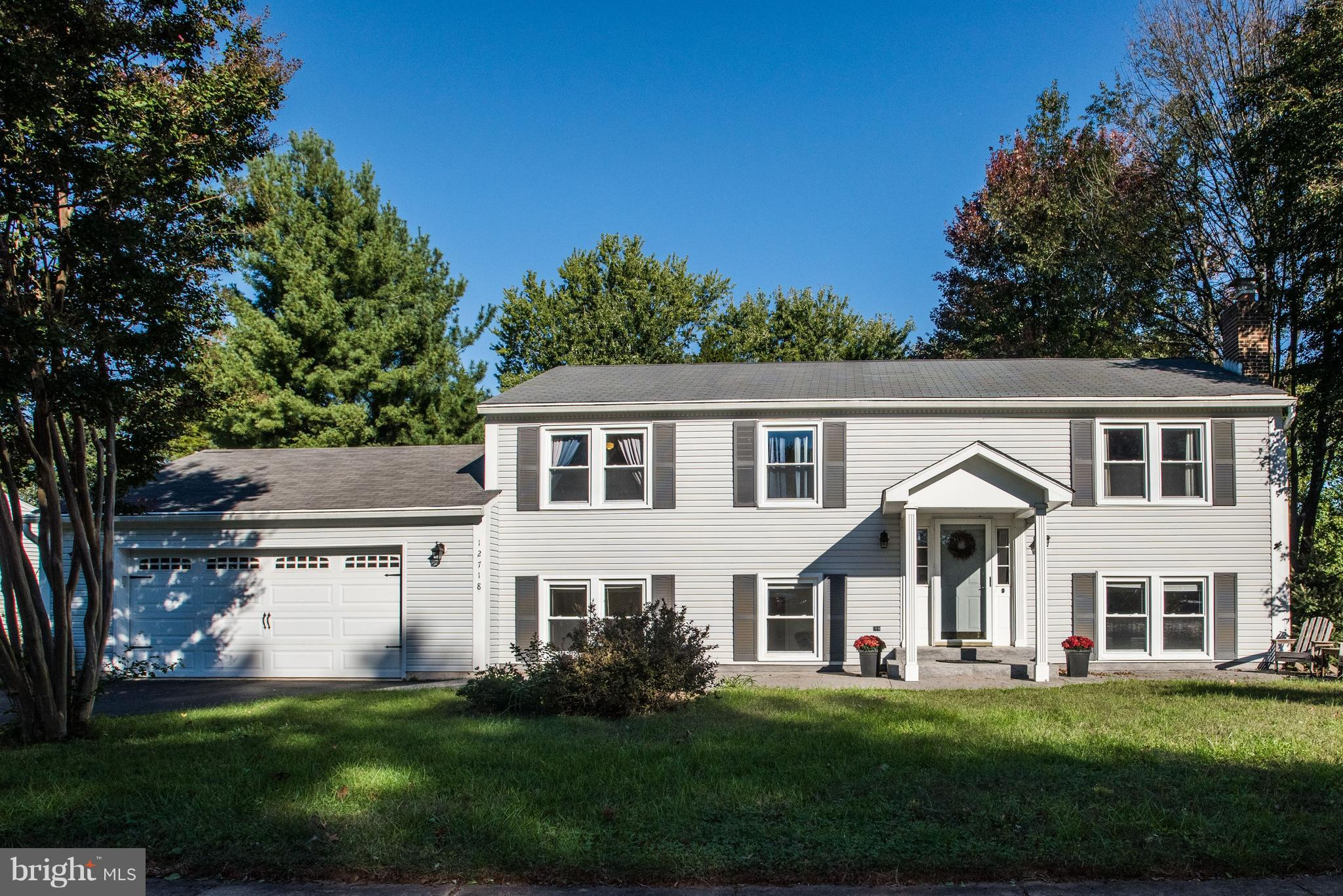 Well maintained home w/lrg family room add in Fox Mill Estates. MBR w/ Walk in Closet & MBA. Walkout