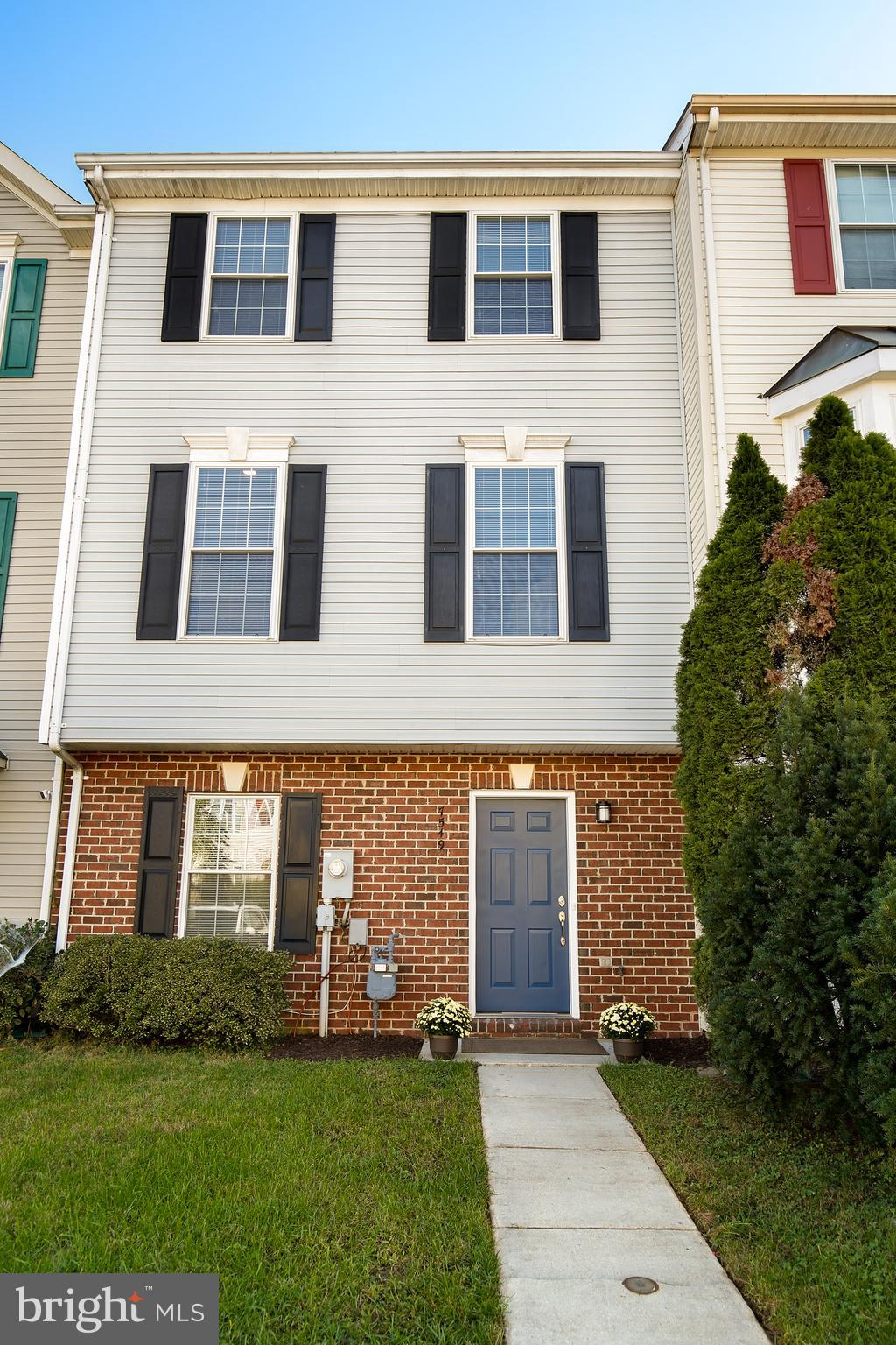 FULLY RENOVATED townhouse in Ridge Commons!  4 bedrooms, 2 Full Baths, 2  Half Baths.  Features incl