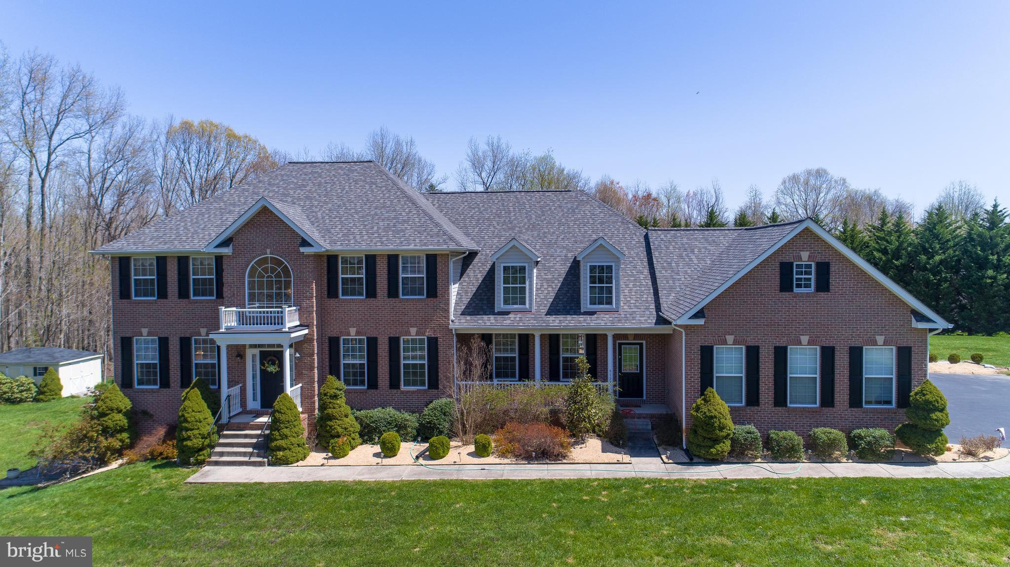 OPEN HOUSE SUNDAY 10/21 FROM 1-4! PRICE REDUCED!  GORGEOUS LAKE JAMESON HOME ON 3+ PRIVATE ACRES! KI