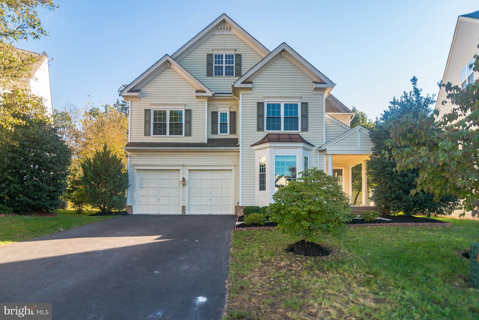 Immaculate 7BR, 5.5 bath over 5000 sqft. one of the largest in the neighborhood, 4 ft extension, h/w