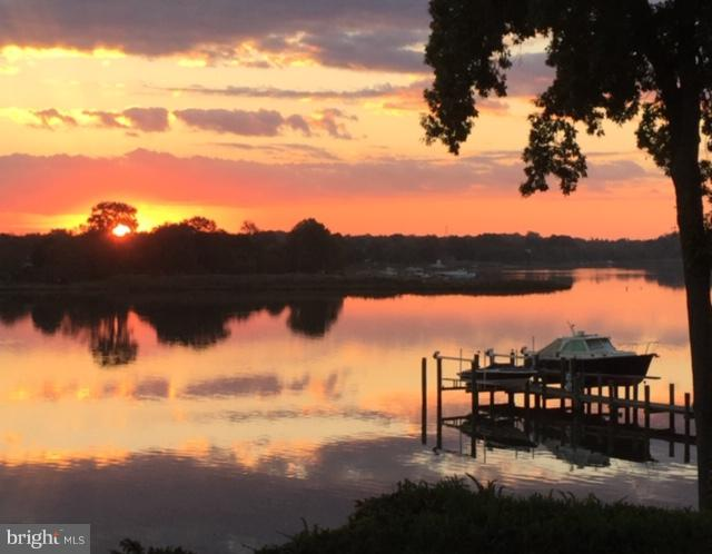 Private, peaceful and protected waterfront... a haven sited on a bend in the Corsica River.  Captiva