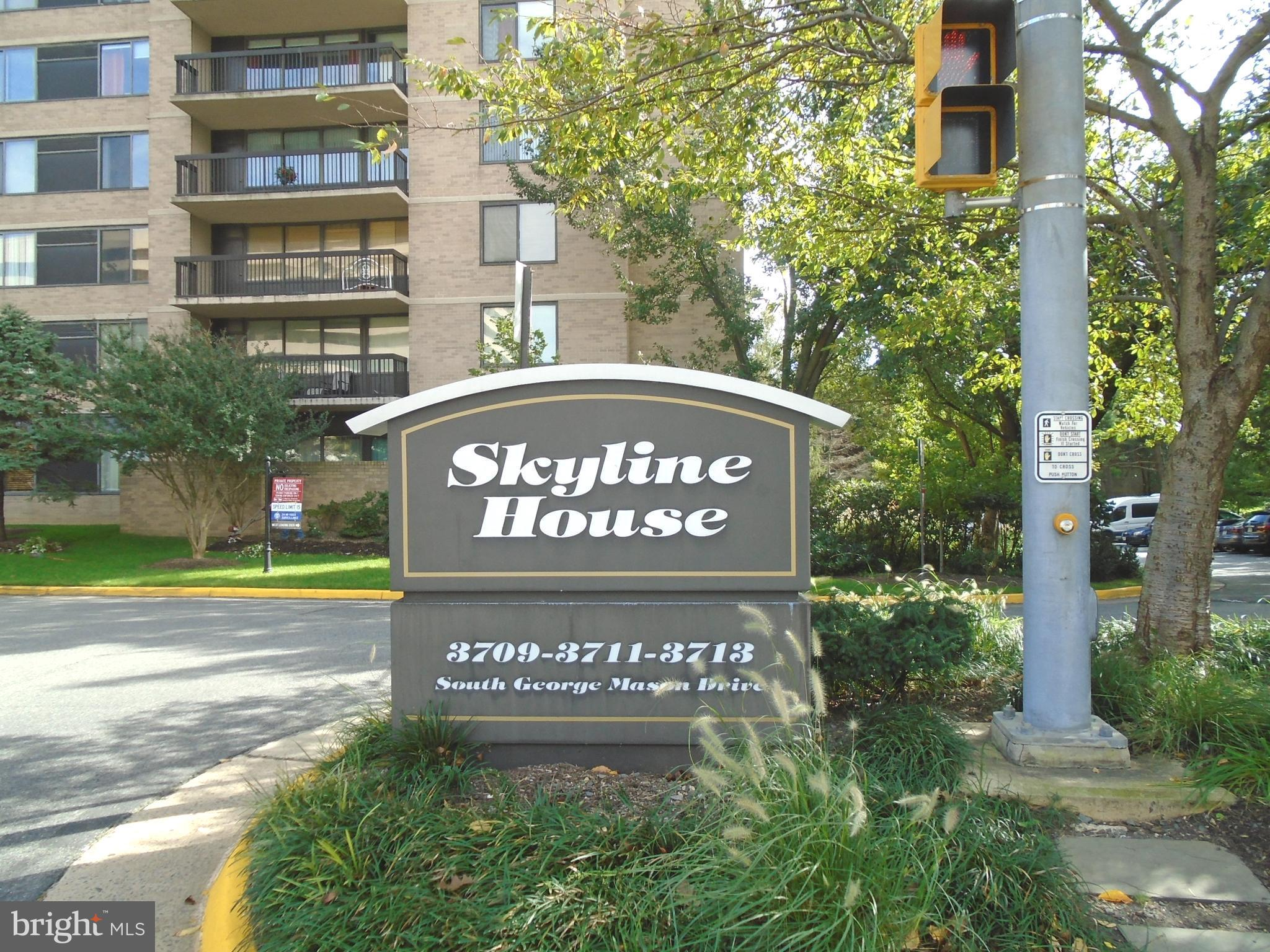 Move in ready! Beautiful & Spacious 2 BR/2 BA condo in sought after Skyline House! Home Features a s