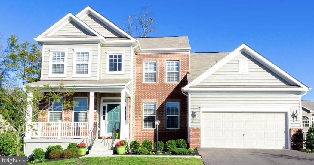 GORGEOUS HOME~2 YEARS NEW! Don't Wait to Build, Move In ASAP With All The Upgrades & Lot Premium Alr