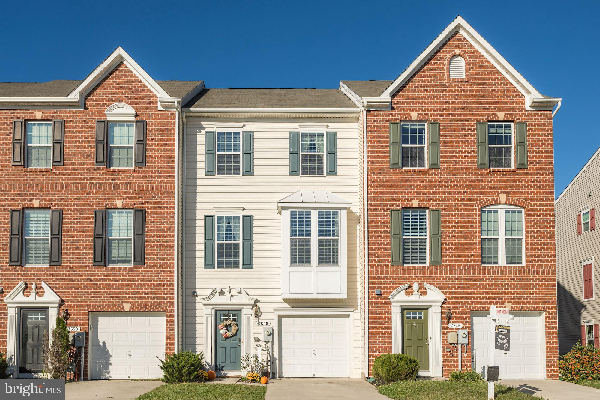 GORGEOUS Townhouse in the heart of Tanyard Springs. Well maintained!!  New Carpet and Freshly Painte