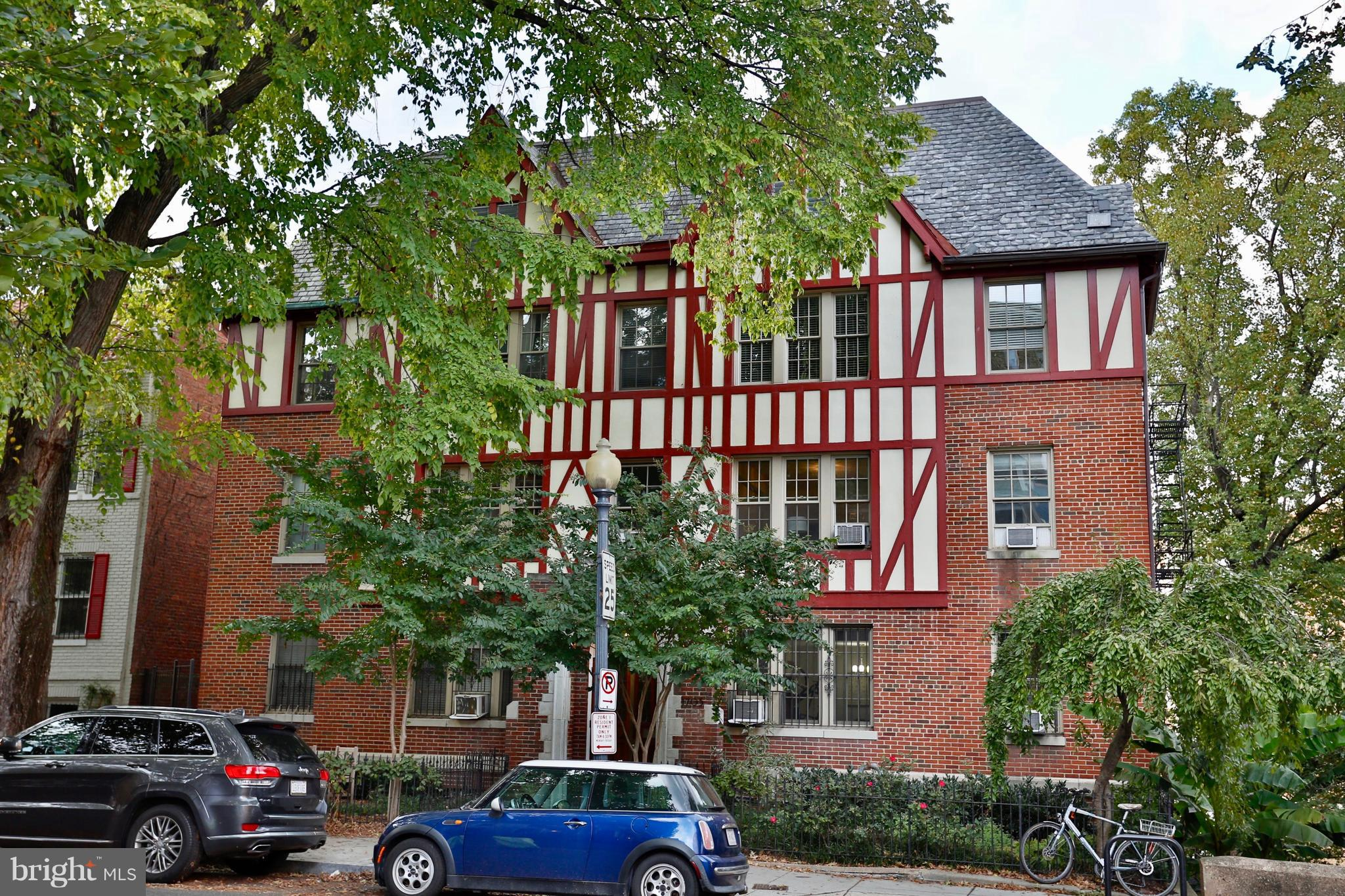 Truly spacious, stylish, delightful corner unit in beautiful building in very desirable location! We