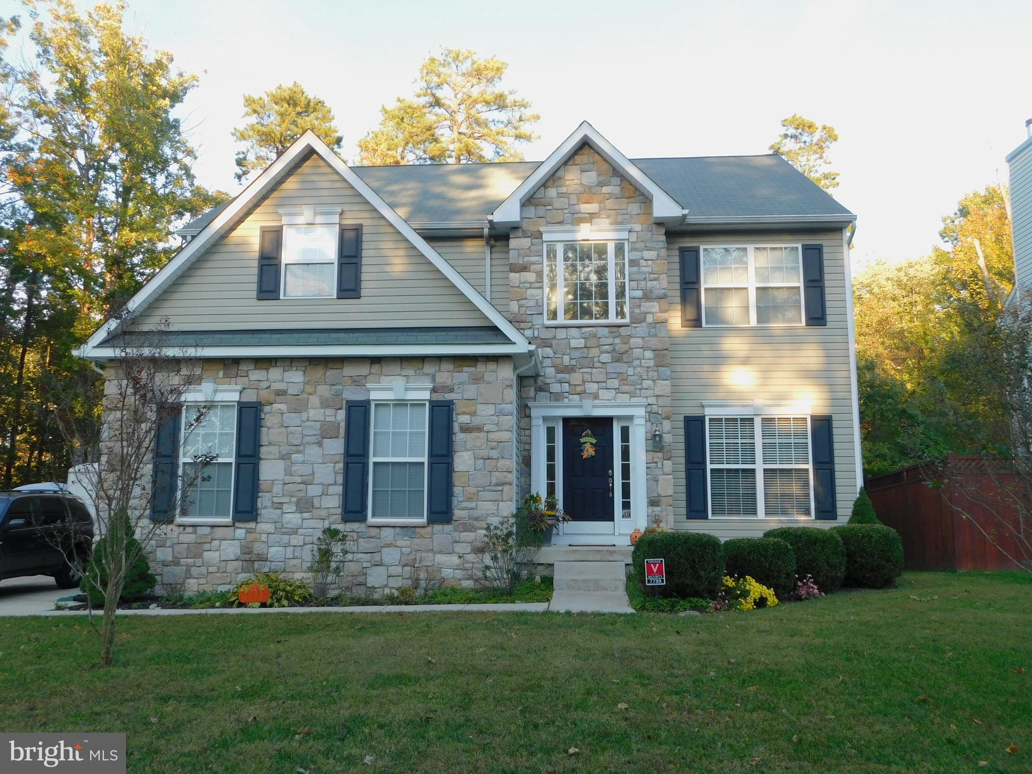 Featuring 4 bed, 2.5 baths, huge master suite with sitting room and super bath, F/R with fireplace a