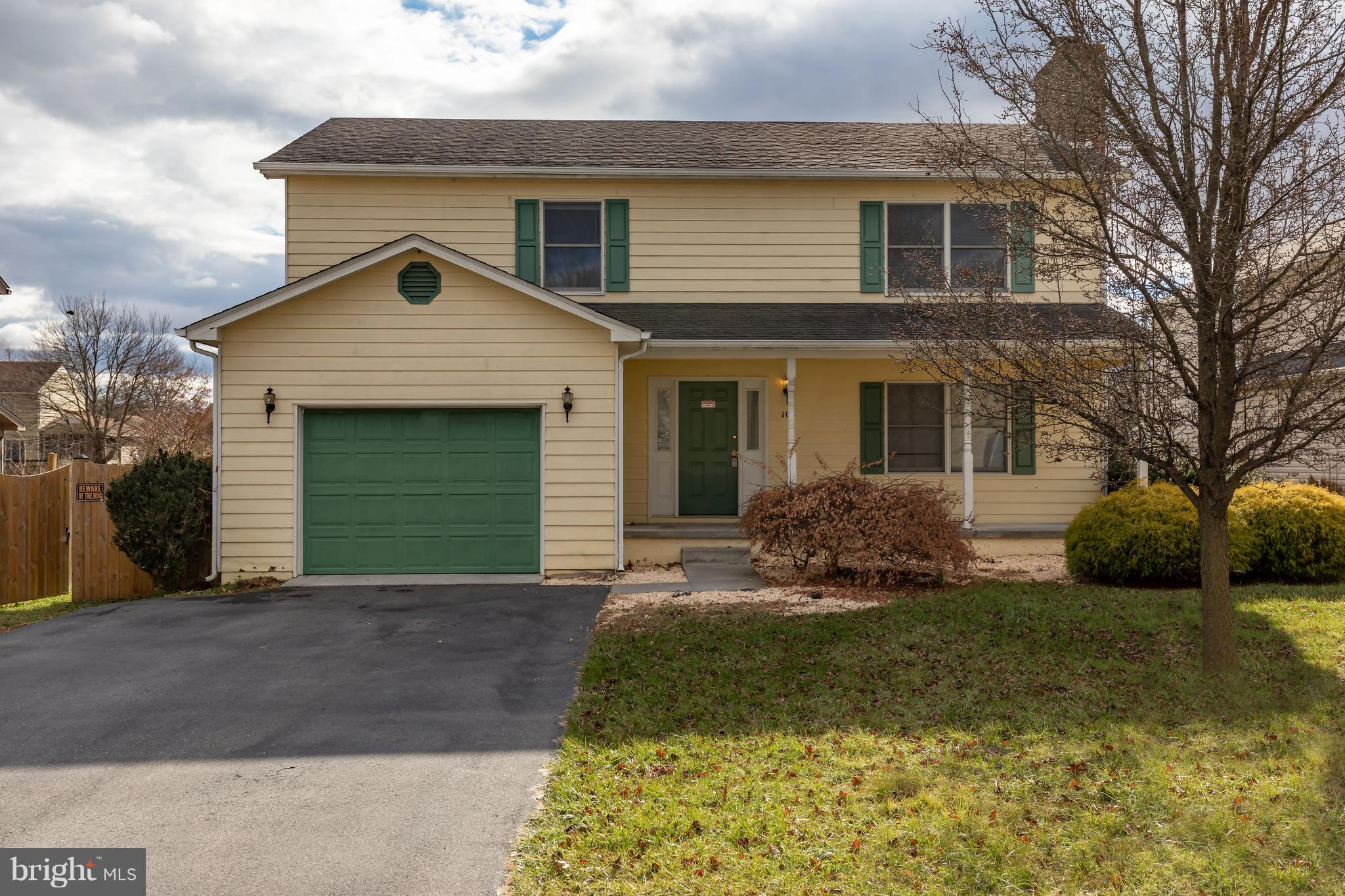 Welcome Home!  This bright colonial home is on a quiet cul-de-sac in an excellent commuter location!
