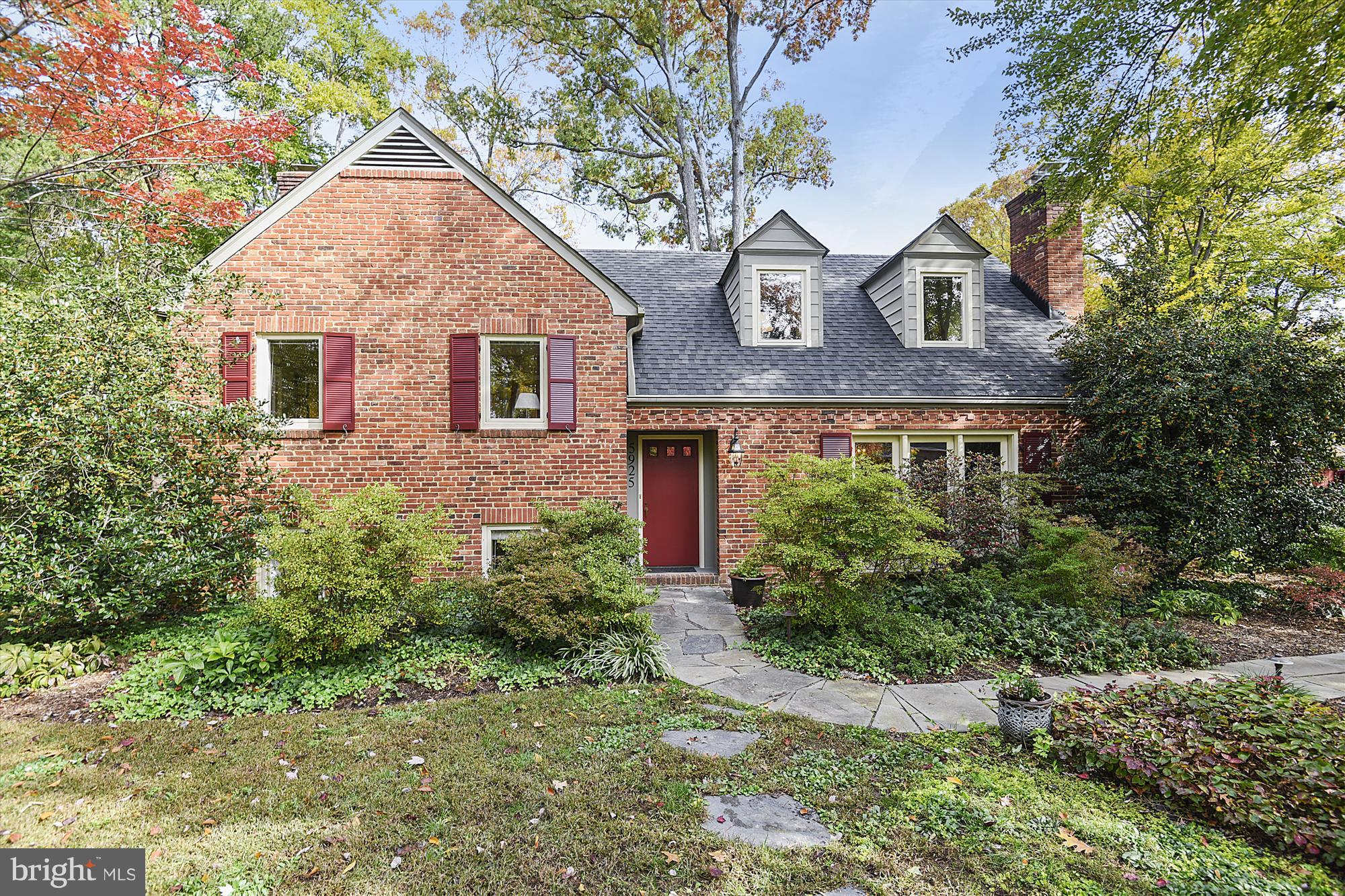 First Open11/11 from1-4 pm. Charming and unique Cape on large corner lot in coveted Wilton Woods! You will enjoy this bright sunny home with generous room sizes, hardwood floors on all living areas including bedrooms, and abundant storage. Spacious living room & dining room overlook professionally landscaped gardens, large Family Room with wood burning fireplace, lovely living room with gas fireplace, perfect for the holidays! And a chef's kitchen opens to backyard patio. Plenty of parking and lots of storage.