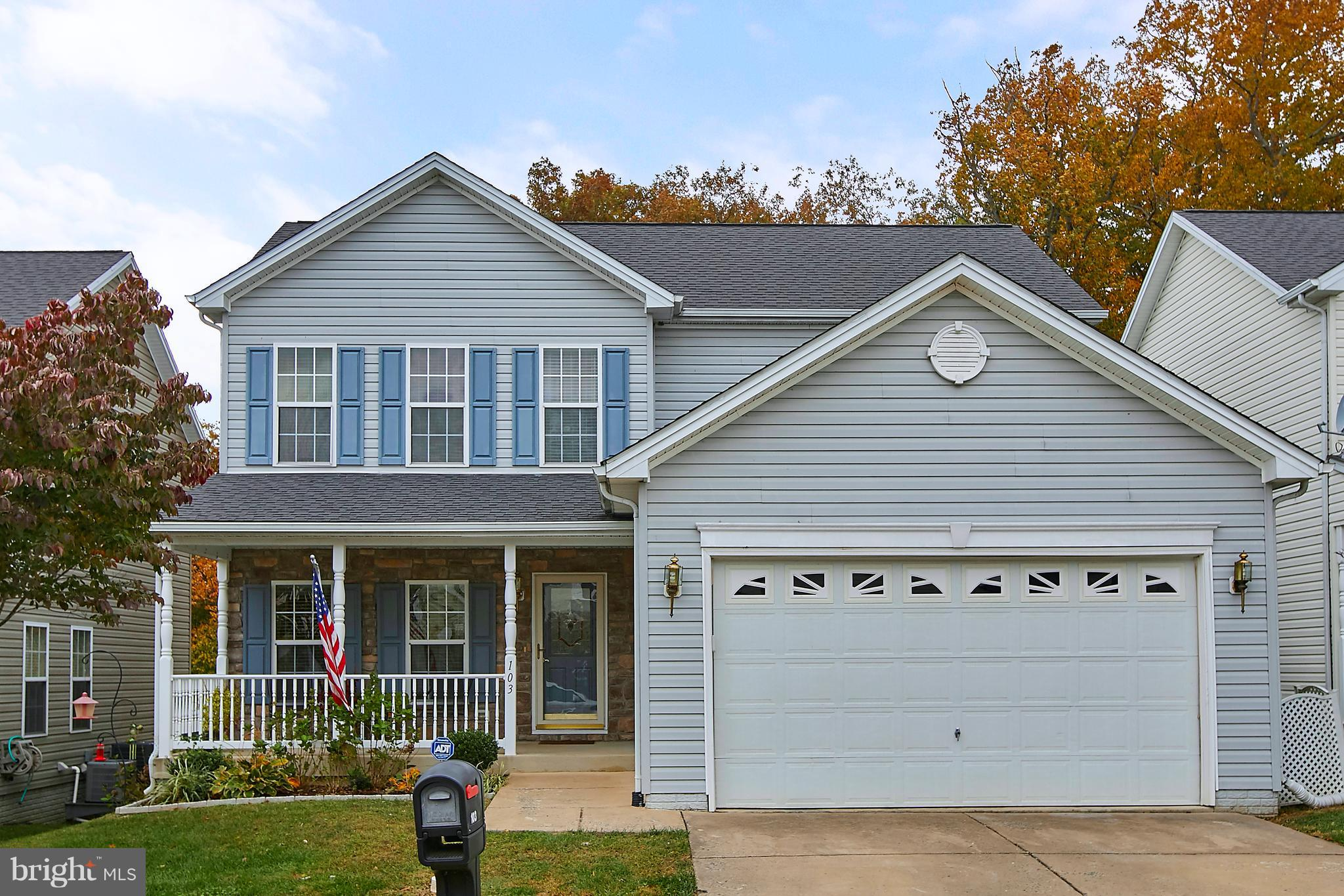 This beautiful SFH offers 4 BR, 3.5 BA and 3 fully finished lvls backing to mature trees. Spacious k