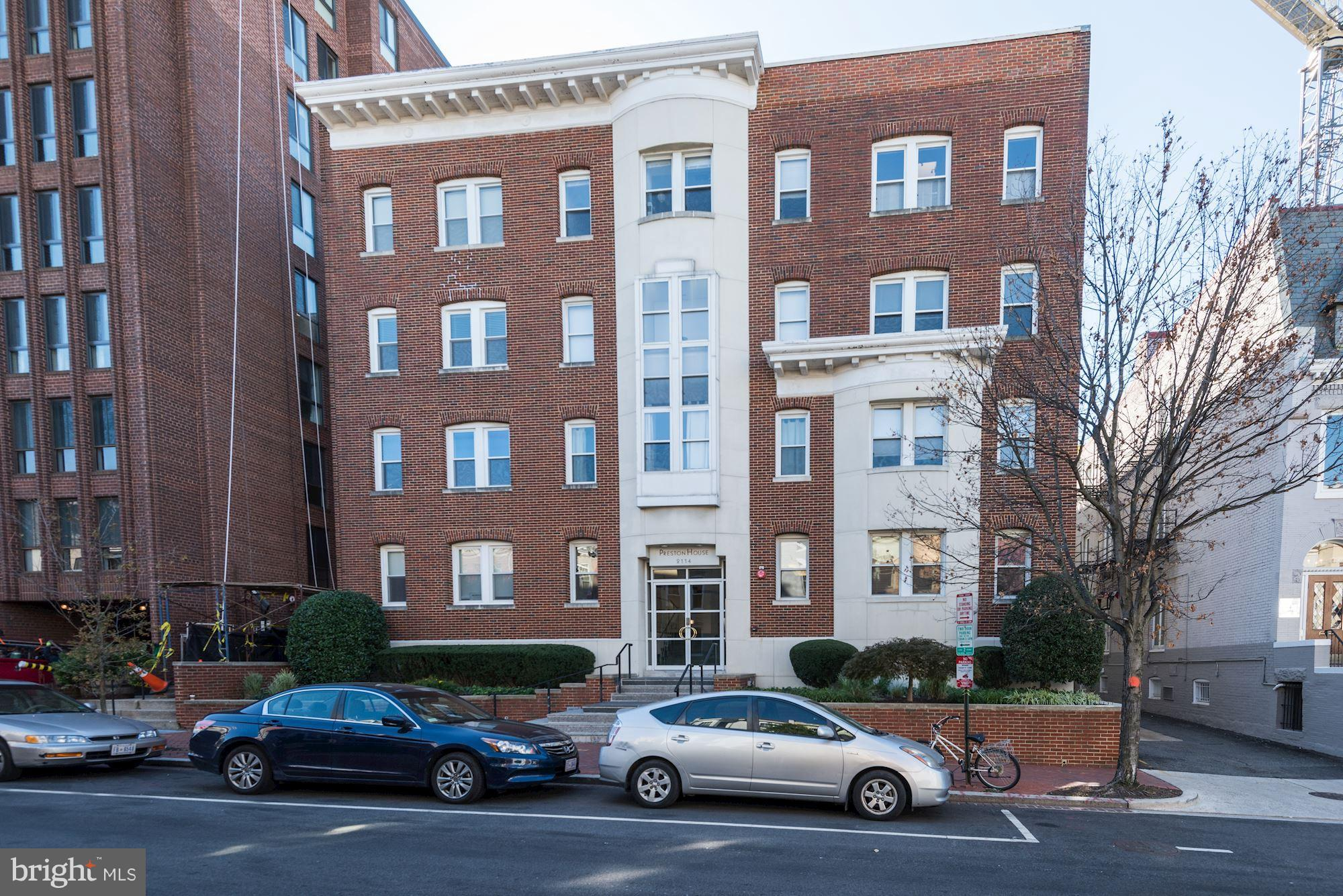 JUST LISTED & OPEN SUNDAY 11/11 1-3pm. Completely renovated bright 1 bedroom unit in the small, well