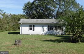 Water oriented community!  Home is located only a few blocks away from water and is on a large lot