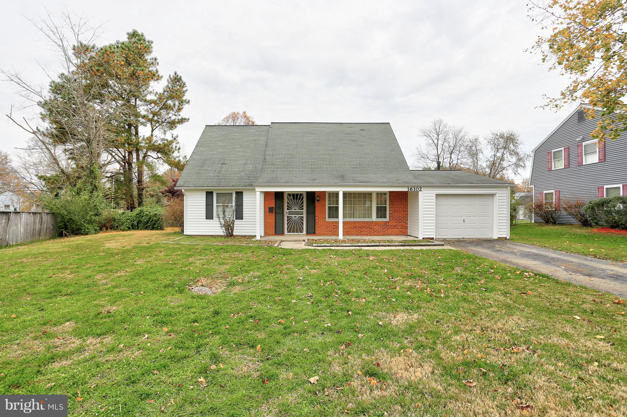 Make this home your own with a little TLC! 5 bedrooms (3 on the main level) and 2 full bathrooms! Sh